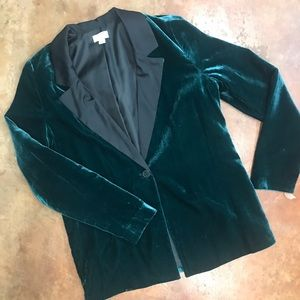 Crown and ivy velvet blazer
